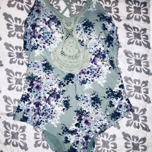 NWOT Women's Rue21 Swimsuit Size Medium